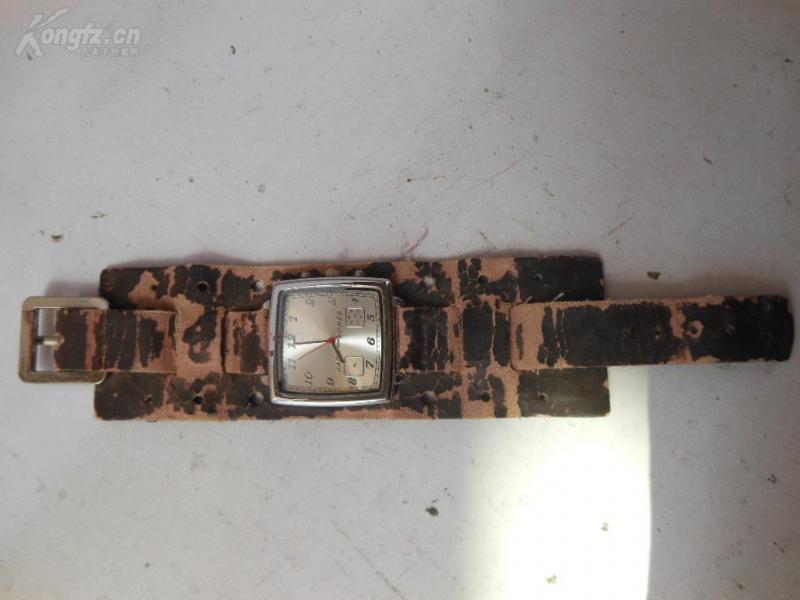 老手表一只,品好如图。