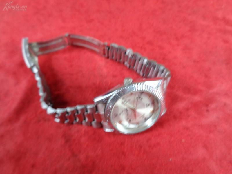 老手表一只,品如图。