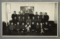 建国后 农工民主党上海市委员会合影 老照片 一张(一排左二为陆小曼、右二为严汝瑛)HXTX302461