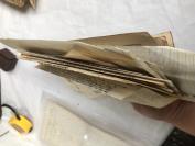 民国包裹单三张。邮局便签七张。附发票等一堆