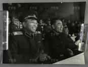 建国后 在全军运动会上彭德怀元帅、周恩来总理、朱德元帅(左至右)合影 老照片 一大张(尺寸:31*41cm)HXTX304319