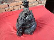 民国铜香井炉一个,高28cm,重4斤,品好如图。