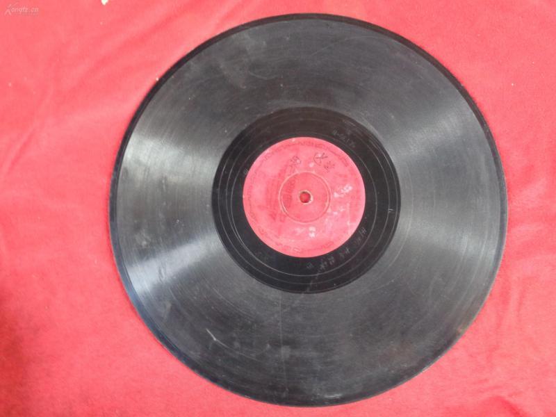70年代中国唱片,片名不祥,品好如图。,