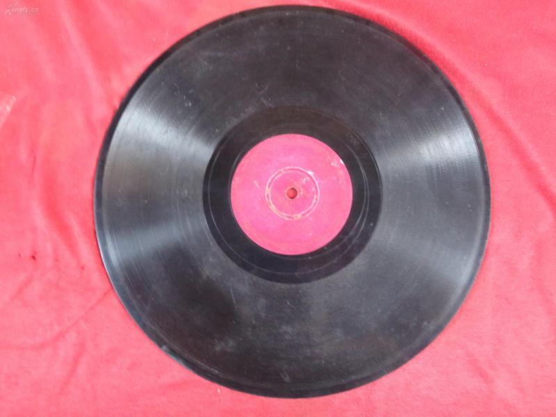 70年代中国唱片,片名不祥,品好如图。