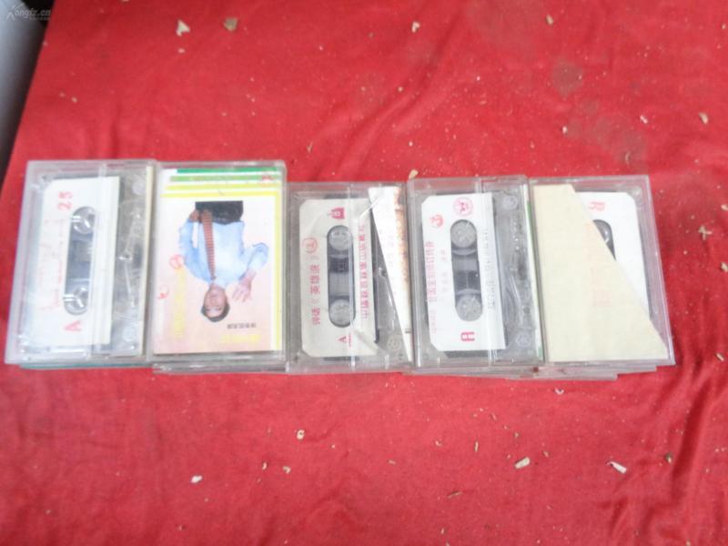 80年代闽剧磁带32盒合拍,重4斤,品如图。