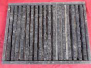老刻字板一块,共有活字390个字,,长16cm宽34cm厚4cm,品好如图、