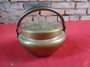 民国铜炉一件,园形,高14cm,品好如图。