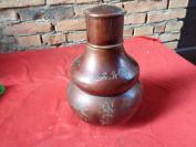 50年代锡铁观音茶叶胡芦一件,园形,高33cm,重近3斤,品好如图。