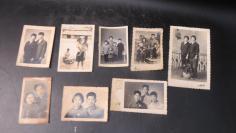 70年代左右挂毛泽东胸章的老照片结婚照的老照片8张19100799