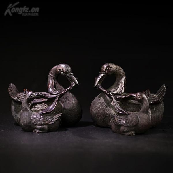 清 小葉紫檀精美雕工母子鵝一對