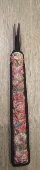 清代红木扇骨一幅——带老刺绣扇套