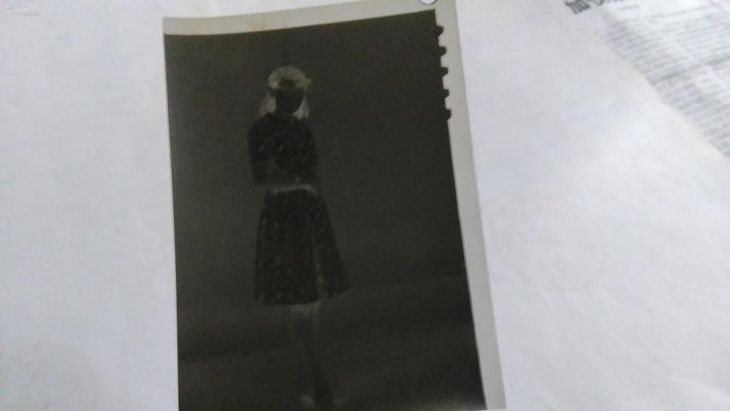 较厚连衣裙美女底片