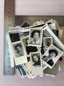 一批老照片,约130张,合售,尺寸不一,有的美女非常漂亮