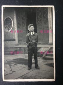 """老照片 民国 杭州 旅行 同一组 3张 """"杭州玉皇山大殿前"""",对联,""""天心仁爱保民无疆"""",另一边是篆书;紫云洞;长袍男子"""