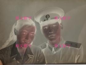 老照片底片 约50年代 军人夫妻 辫子美女