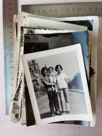 一批老照片,大概130张,合售,尺寸不一,有一些儿童照片,很不错