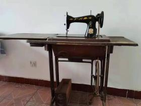 上海第一缝纫机器制造厂:飞人牌缝纫机