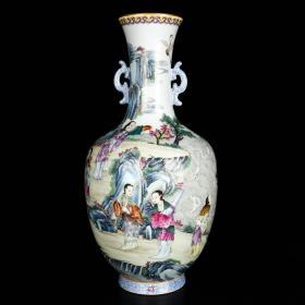 清乾隆琺瑯彩描金人物故事紋雙耳瓶 高33.5厘米 直徑18厘米