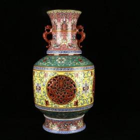 清乾隆琺瑯彩描金雕刻鏤空雙耳四節轉心瓶 高41.5厘米 直徑23厘米
