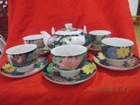 湖南陶瓷研究所精制 釉下五彩黑底满花茶具一套13头