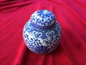 陶瓷茶叶罐  带盖