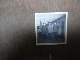 老照片   三 海军军官在舰艇上