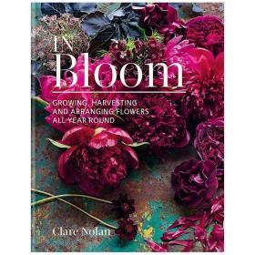 英文原版 一整年的花卉花艺家居装饰指南 In Bloom 9780857833051