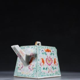 粉彩福寿纹茶壶