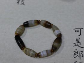 高年份藏传精品缠丝玛瑙手串
