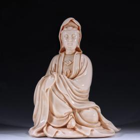 德化白瓷自在观音坐像