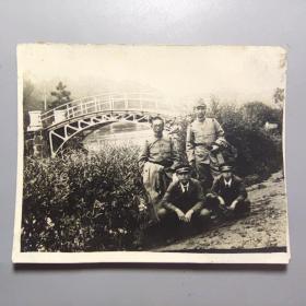民国老照片--鬼子兵合影     尺寸:8.5厘米*7厘米
