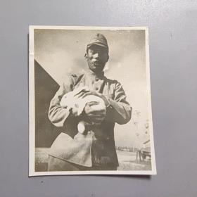 民国老照片—鬼子兔子         尺寸:5.3CM*4.3CM