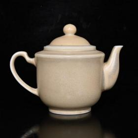 清代乾隆象牙瓷壶(10.5×14cm)