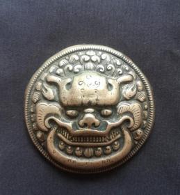 清代:狮头吞口大银扣美品!