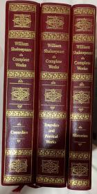 """莎士比亚全集  注释版   真皮豪华版 (全3卷)  书脊、封面烫金图案   大量版画插图   超大开本  特优高级纸张印刷   书前附有""""莎士比亚传"""",每一剧本后面加注释, 绝对是收藏版中的极品"""