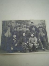 旧照片--郧县中心支行送别12位同志调动合影