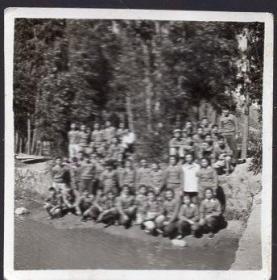 1958年11月5日昆明第四中学在二钢厂劳动小照片1张【1958年原版老照片】