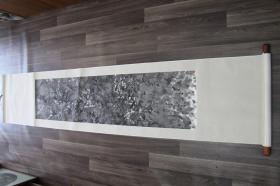 著名画家,吕高(法国中国书画研究会会长、中国书法家协会艺委会海外顾问)立轴一副 画心(137 X 33)