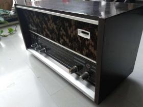 老物件-戏匣子:海燕牌晶体管交流收音机