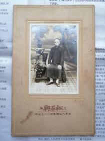 """民国时期上海法界八仙桥""""松石轩"""" 照相馆珍贵摄影一帧"""