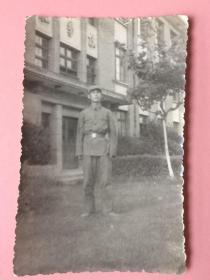 7张,合售,照片,1966年,化学楼,应该是是上海第一医学院的;1962年苏州拙政园,工作的女医生,美女等
