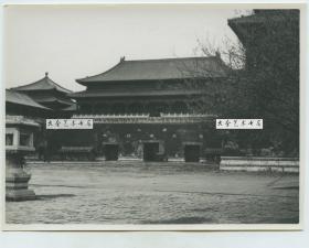 """民国时期北京故宫紫禁城午门南侧老照片,当时墙上书写的大字""""国立历史博物馆"""""""