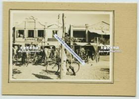 民国江苏南京街道万兴楼菜馆老照片, 门庭若市,停满了各种客人前来用餐时乘坐的马车, 泛银