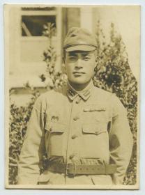 民国日军陆军士兵制服照老照片。