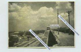 民国时期河北保定府南城墙,可见其上的亭子状魁星楼文昌阁老照片,1952年后随城墙被拆除。5.7X4厘米