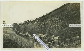 民国时期河北秦皇岛山海关辽西山脉的残长城遗迹老照片,墙体近景