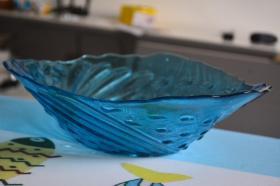 蓝色玻璃果盘