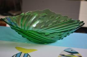 绿色玻璃果盘