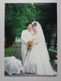 彩色照片:婚纱合影(12*18cm)
