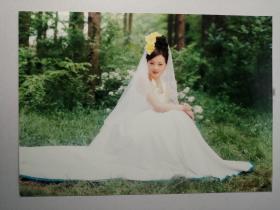 彩色照片:坐姿婚纱(12*18cm)+底片